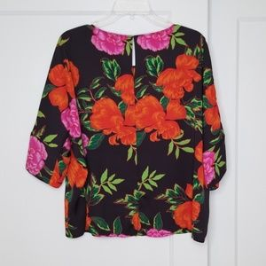 Express Oversized Floral Crop Top